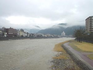 [IMAGE]飛騨川