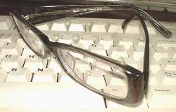 [IMAGE]眼鏡