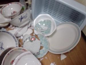 [IMAGE]皿割れた